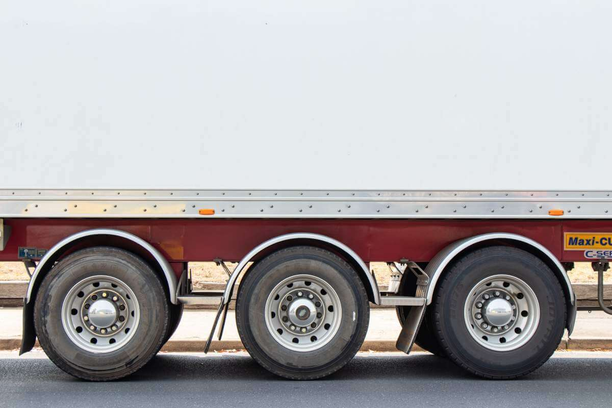 large-truck-asset-tracking