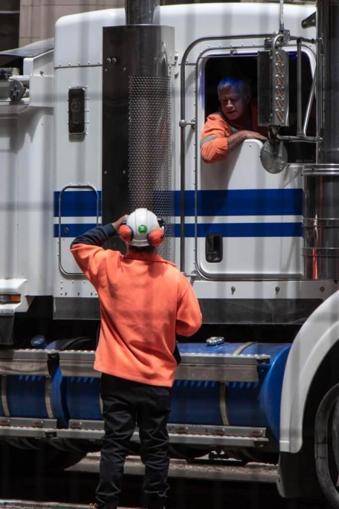 melbourne-vic-truck-driver-683x1024